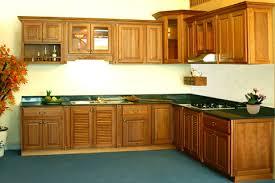 Tủ bếp gỗ mẫu tại xưởng