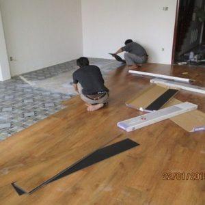 Thi công sàn nhựa Hàn Quốc- Sàn nhựa hèm khóa