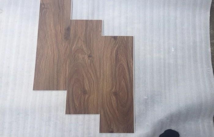mẫu sàn nhựa giá rẻ, báo giá sàn hèm khóa spc, thanh lý sàn nhựa giả gỗ giá rẻ,
