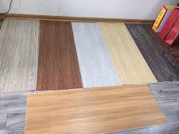 thanh lý sàn nhựa vân gỗ, ván sàn nhựa thanh lý giá rẻ,